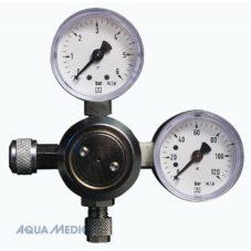 Co2 regulator with 2 pressure gauges
